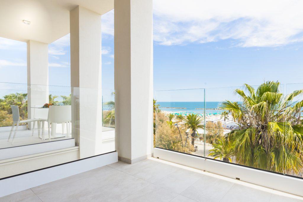 Appartamenti con terrazzo vista mare